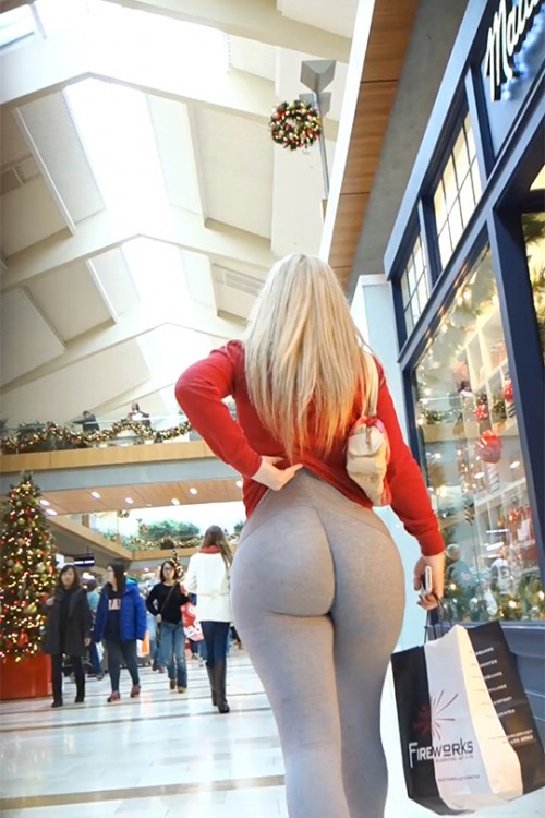 shopping-mall-booty