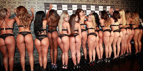 thanksgiving-group-booty-2014-4b