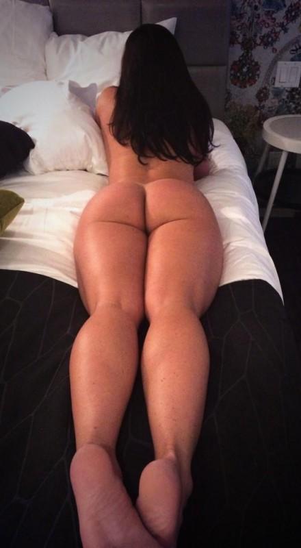 big-booties-in-bed-p6-13