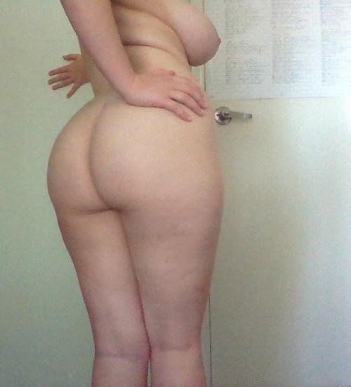 voluptuous-amateur-nude-3