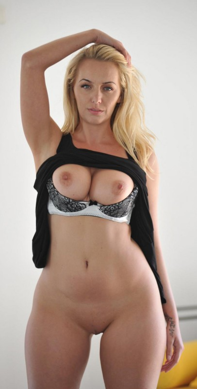 thick blonde cougar