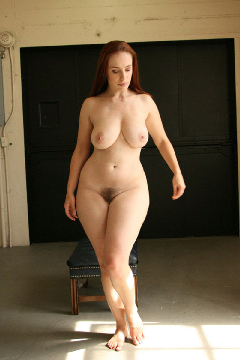 sexy full figured moms naked at home