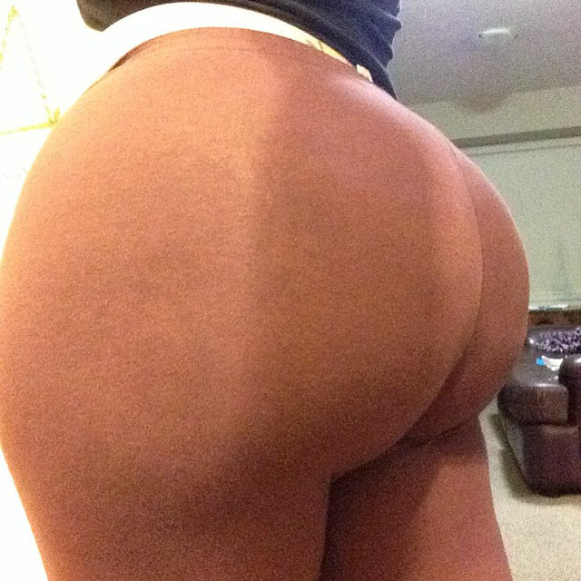 ThickSnoww Instagram Booty - Booty of the Day
