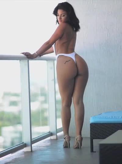 cuban-model-alyssa-sorto-thumb
