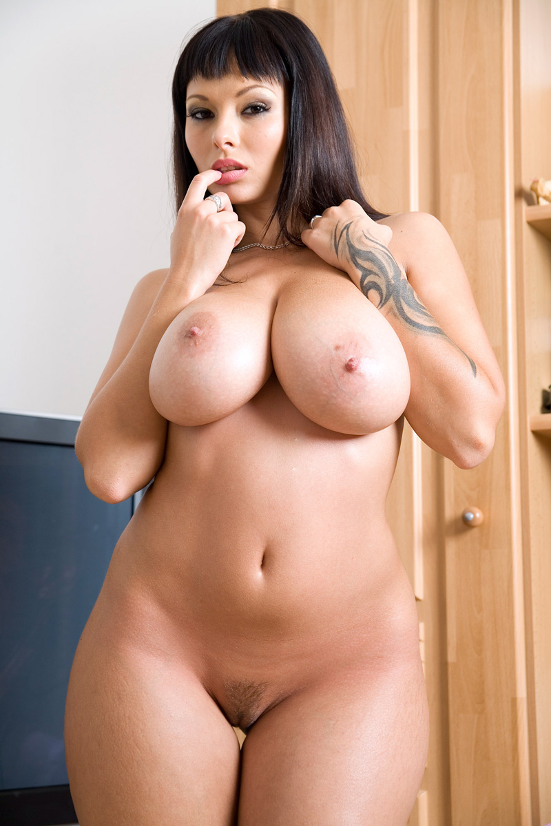 Nude Pictures Of Big Boobs
