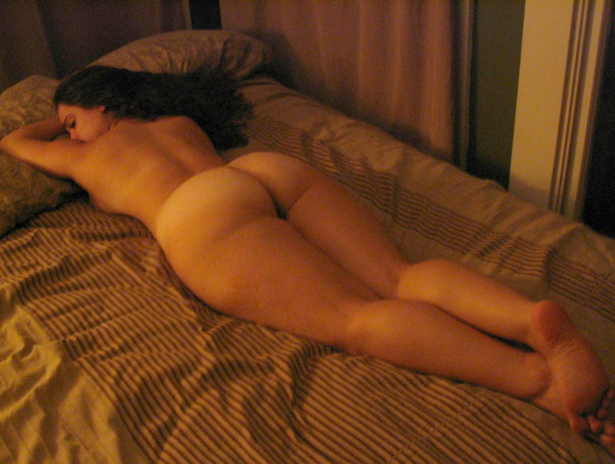Big ass in bed