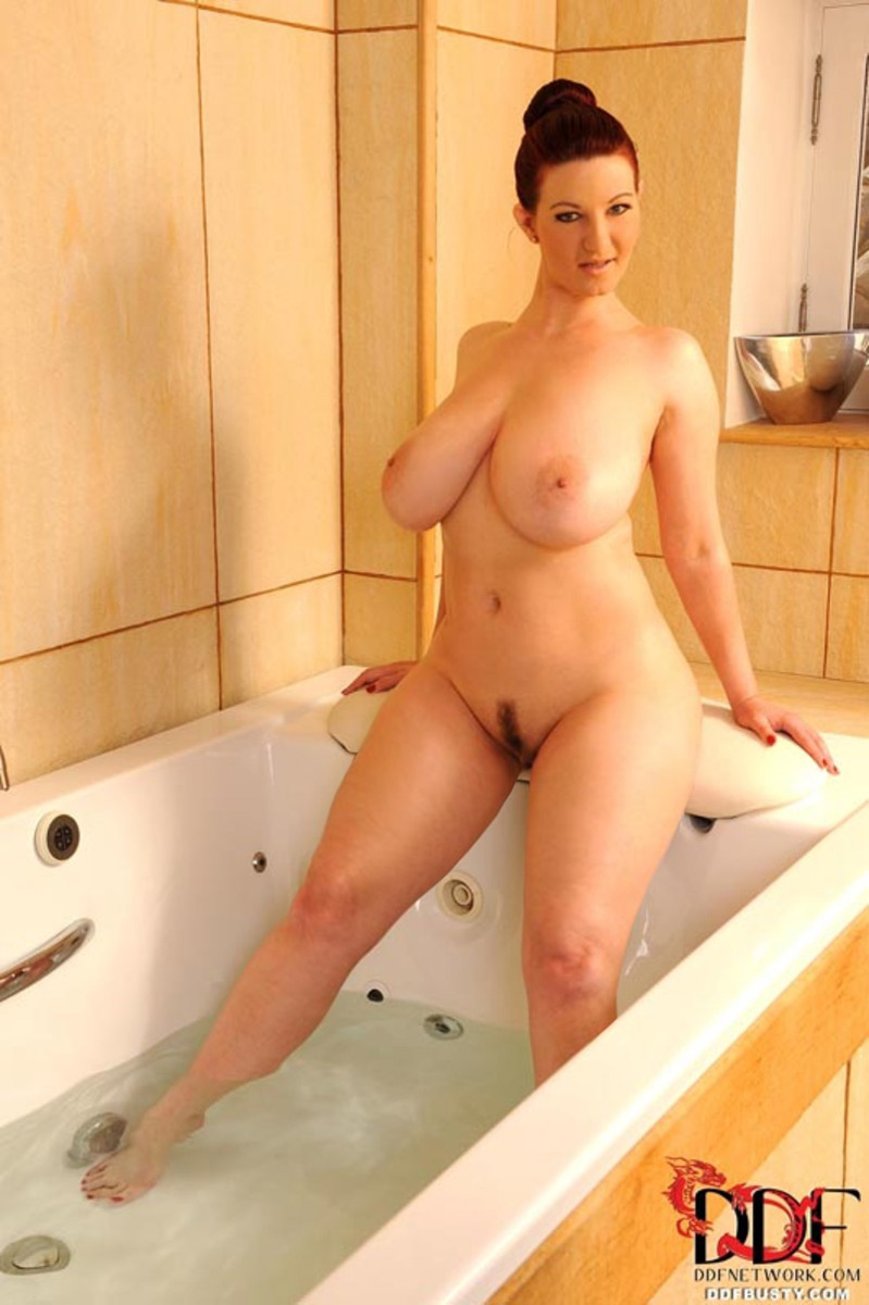 nude natural pregnant women
