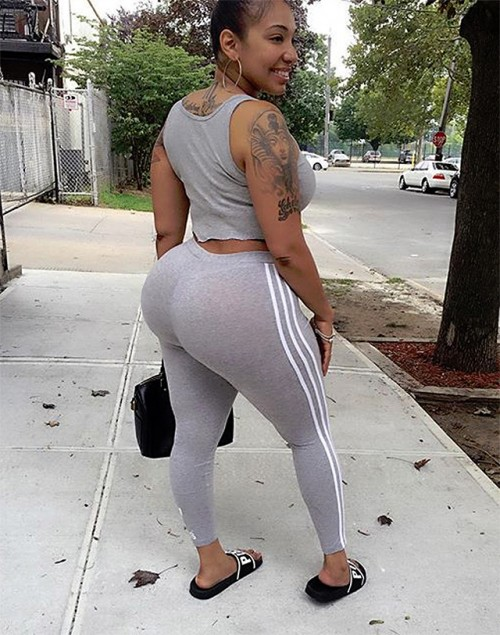 big-booties-in-yoga-pants-p7-9