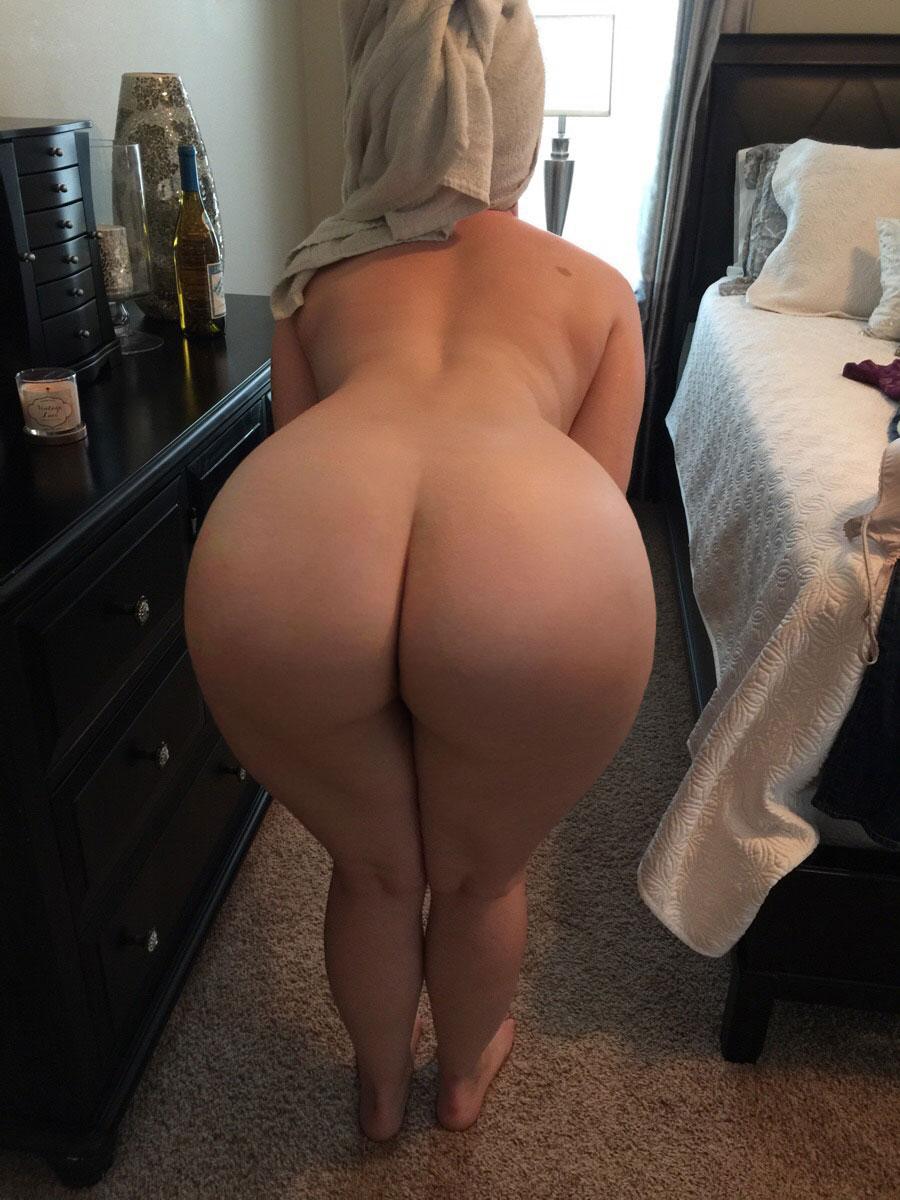 Upskirt somewhere doing the laundry 4