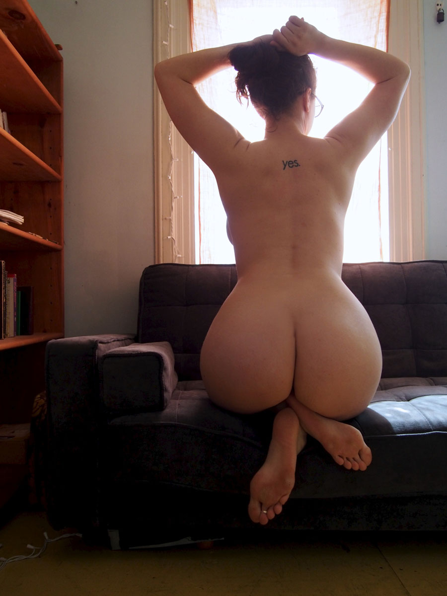 Big Booties On The Couch  Part 2-4042