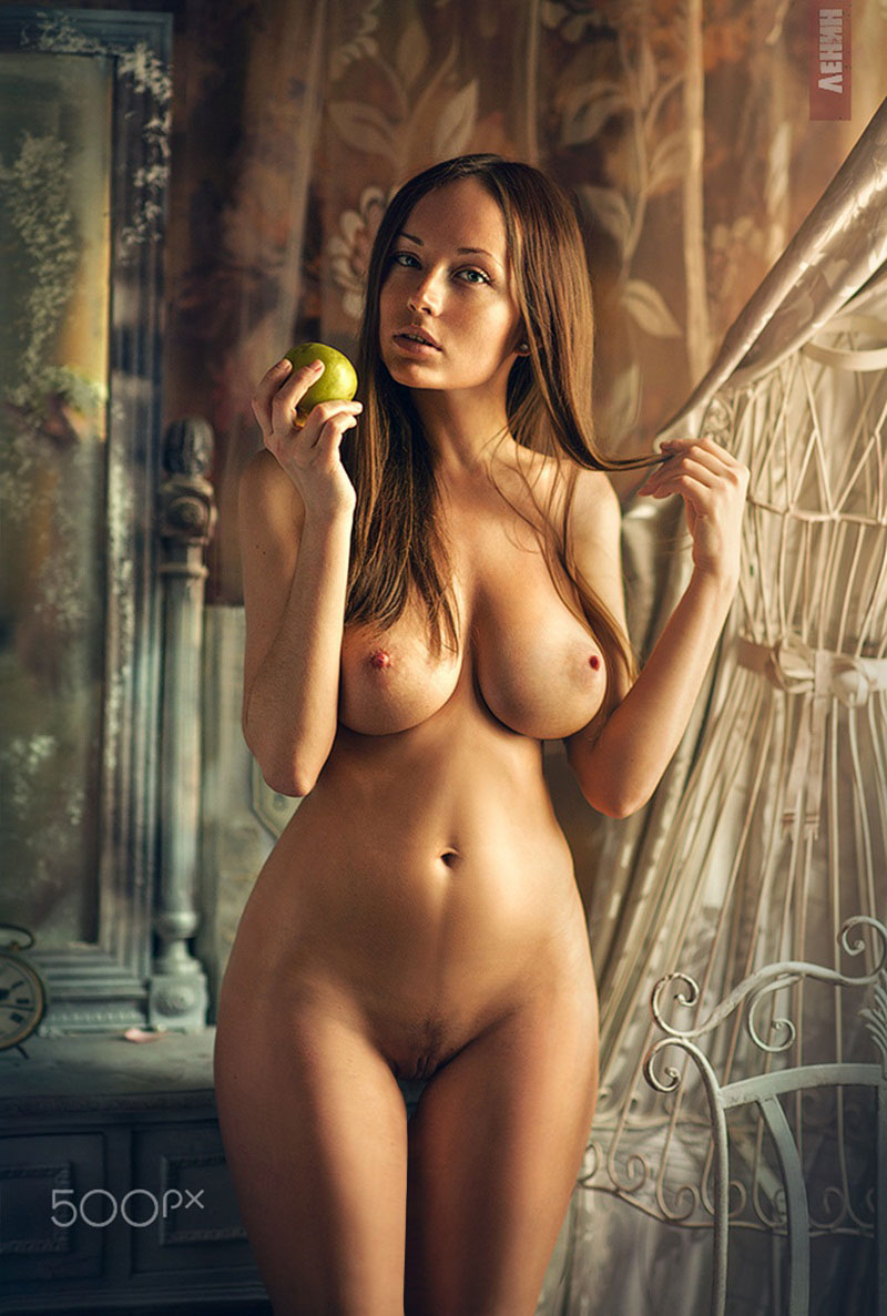 Frontal Nude Girls