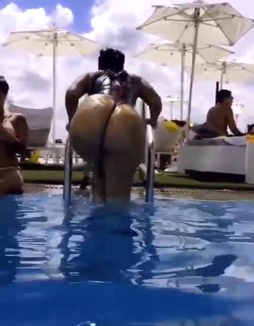 swimming-pool-booty-thumb