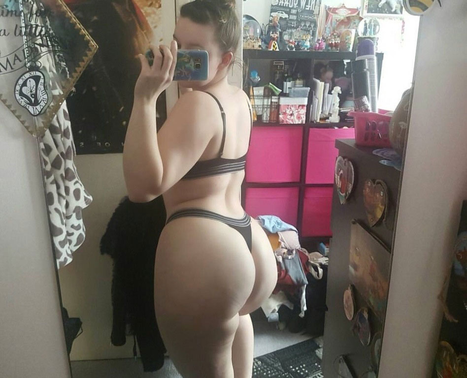 Sexy Nude Girls Butts